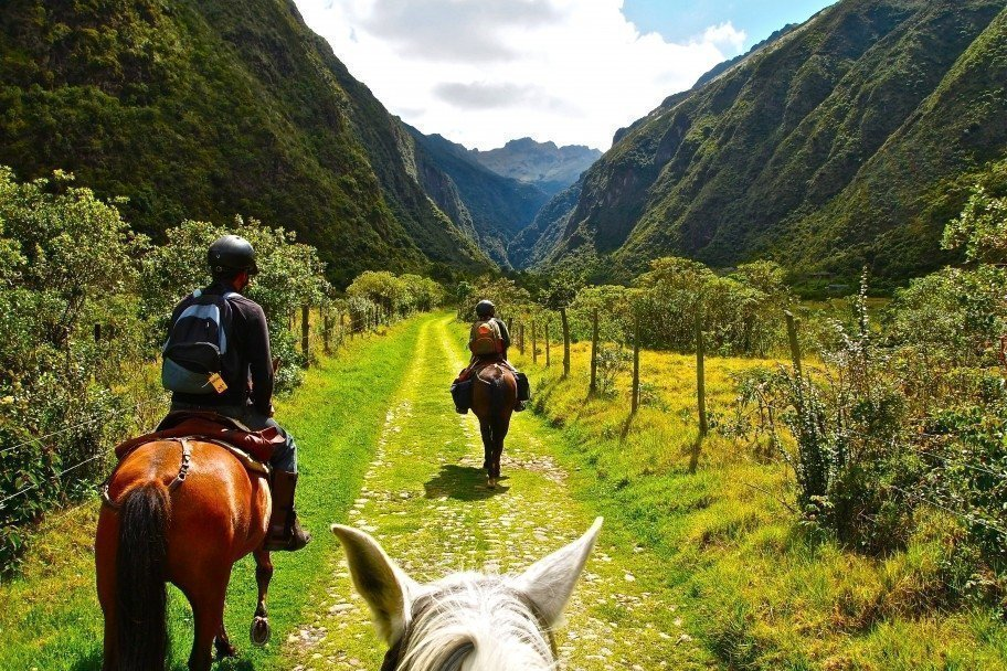 Things to do in Galapagos - horse riding