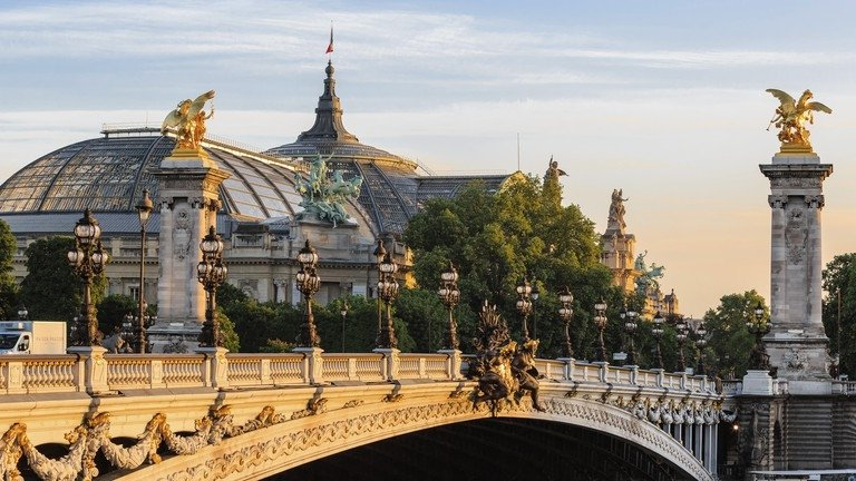 Things to do in Paris - Champs-Elysees