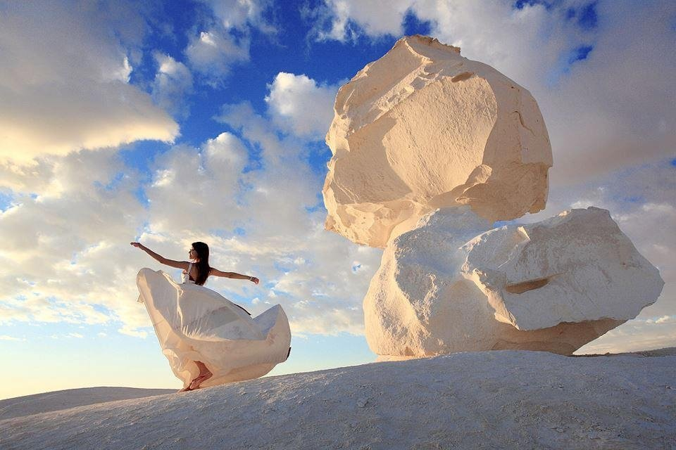 Visit the White Desert National Park - one of things to do in Egypt for nature lovers